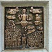 D-0861-leben-und-tod-bei-wallfahrtskirche-unser-frau-schnals.jpg