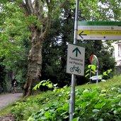D-0303-meran-abzweigung-sissiweg.jpg