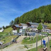 D-0380-schennaberg-taser-familienalm-kinder-spielen-spielplatz.jpg