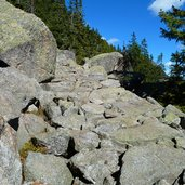 D-0749-steinweg-abschnitt-meraner-hoehenweg.jpg