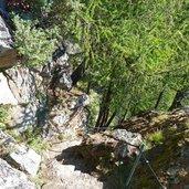 D-1074-steiler-hang-stufen.jpg