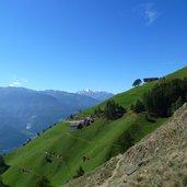D-1121-naturnser-sonnenberg-steile-berghoefe.jpg
