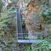 D-3945-weg-nr-10-nach-st-pankraz-gesichert-treppen.jpg