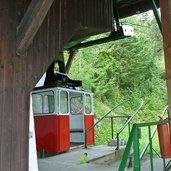 D-4069-seilbahn-pawigl-kabine-in-talstation.jpg