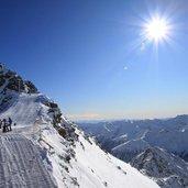 D-9190-Skigebiet-Schnalstal-Gipfelkreuz.jpg