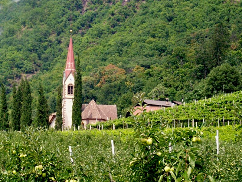 neuromanische Heiligen-Kreuz-Kirche