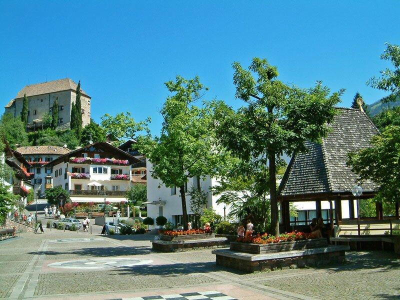 Reiffersenplatz in Schenna