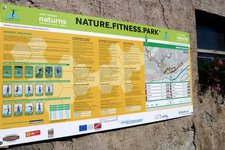 nature fitness park naturns tafel nordic walking