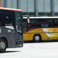 Bus und Zug