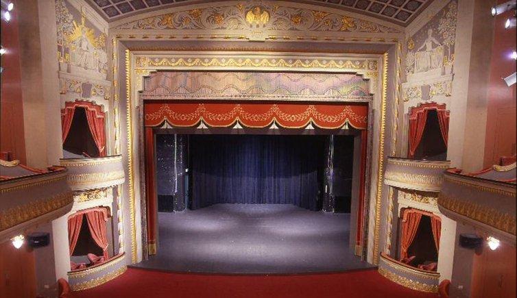 Theater, Foto: Gretter, © Meraner Stadttheater- und Kurhausverein